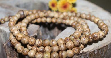 chuỗi hạt trầm hương thiên nhiên